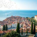 Daftar Tempat Wisata Populer Dekat Art Hotel Tartini