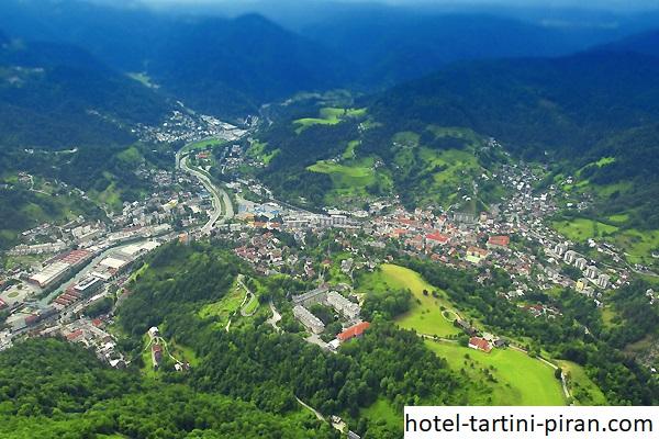 Ketahui Lebih Dalam Tentang Idrija, Sebuah Kota Pertambangan Tertua di Slovenia