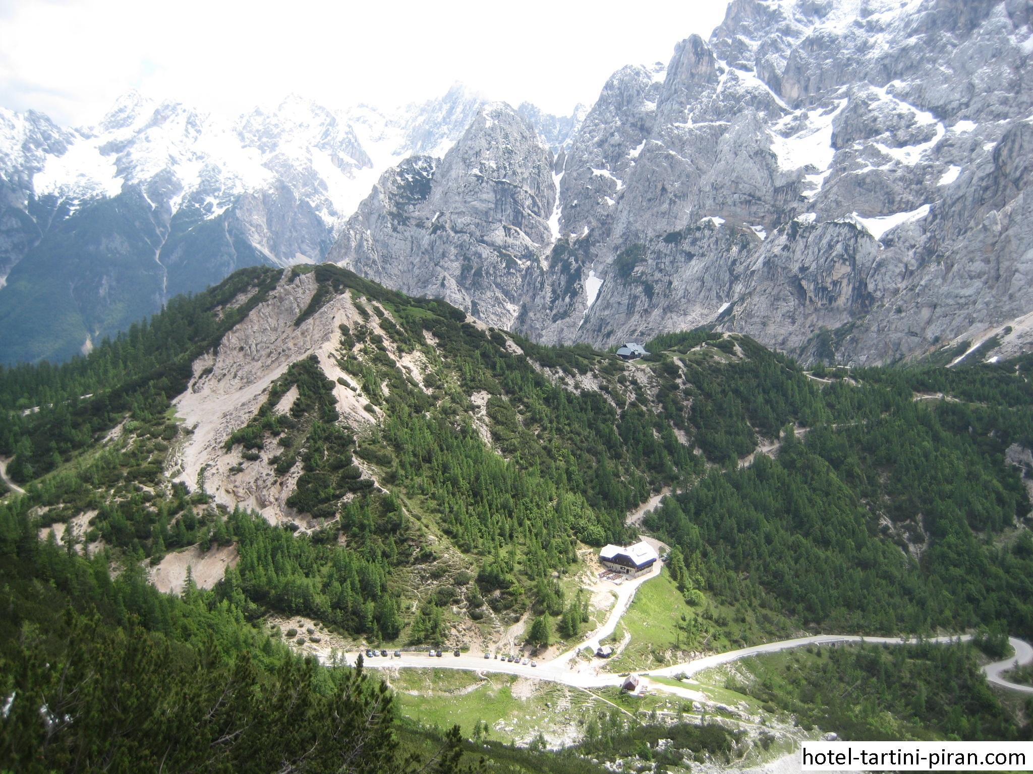 Vrsic Pass, Jalur Pegunungan Tertinggi Yang Melintasi Pegunungan Alpen Julian Slovenia