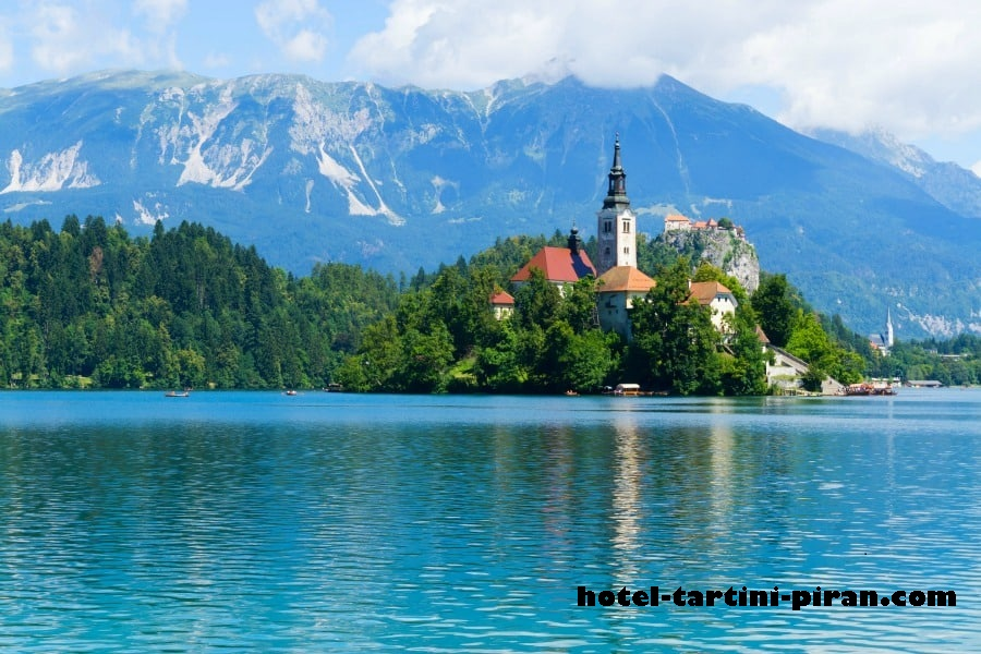 Yuk Intip Keindahan Serta Berbagai Wahana Yang Tersaji di Lake Bled Slovenia